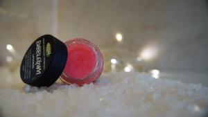 Lush Bubble Gum Lip Scrub 5