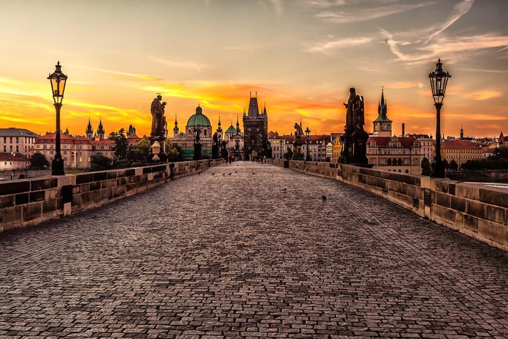 Prague_sunrise_8099151633-SMALL