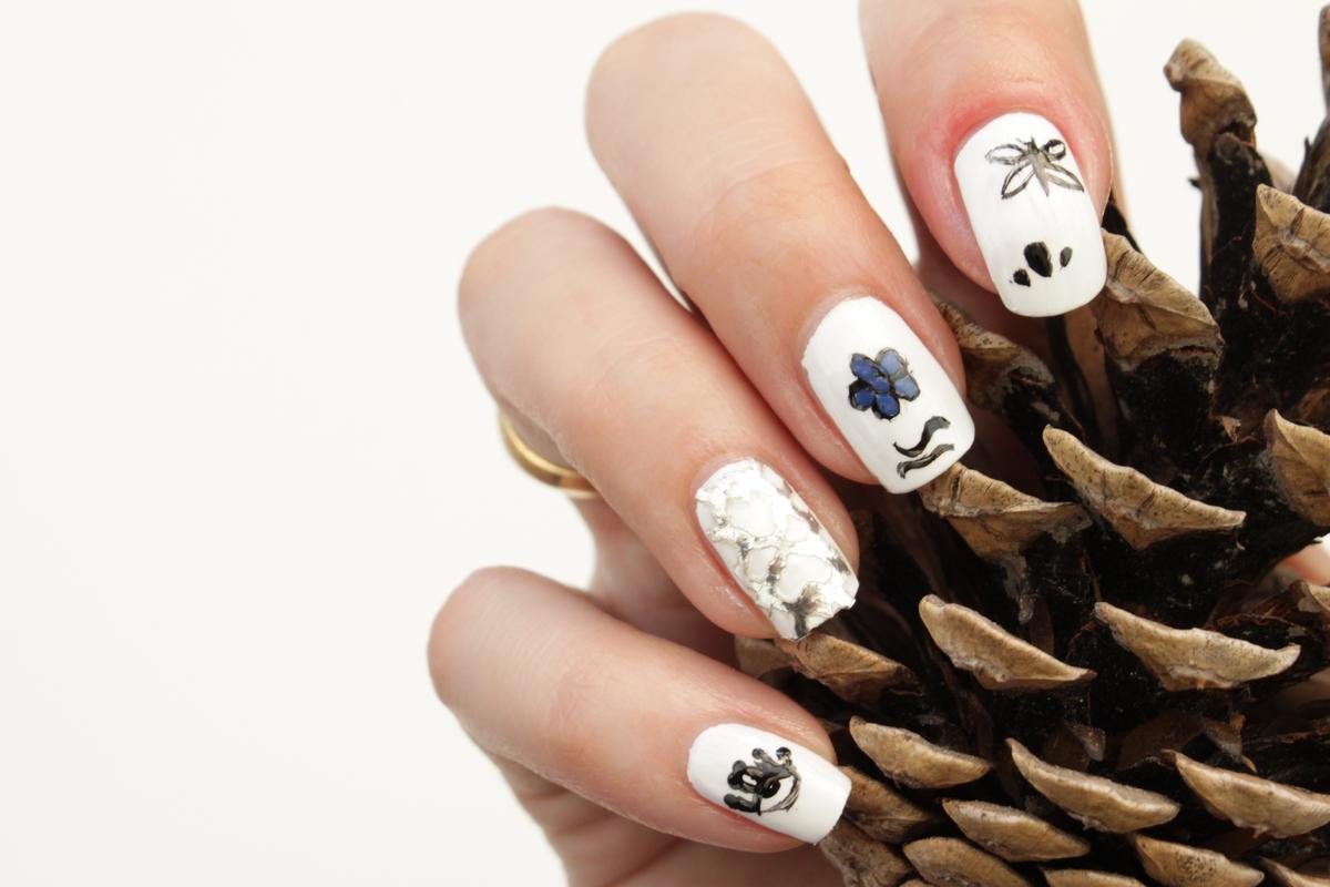 Lotsoflocks Outfit nail art