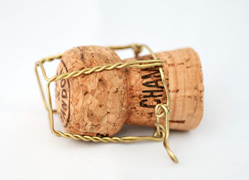 champagne-592638_1920